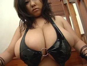 Impressive big breasted Teen Amy Winos