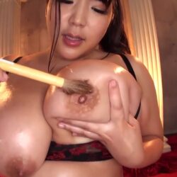 Busty asian Yin Xiao Ruan!